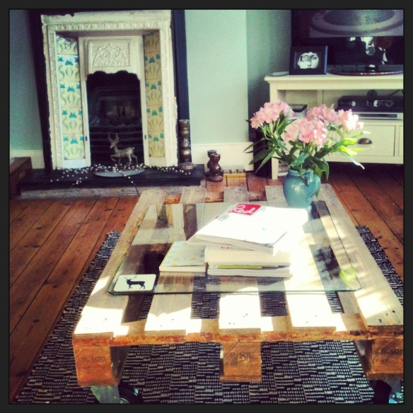 Salvage Industrial Pallet Upcycled Coffee Table Craft Projects.