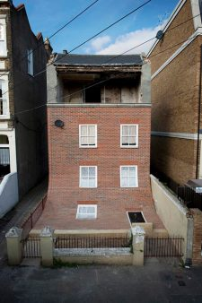 dezeen_house-with-slipped-down-facade-Margate-Alex-Chinneck_2